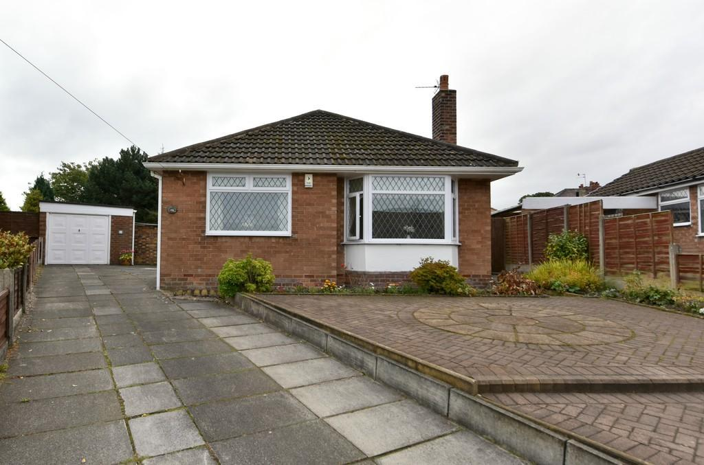 3 Bedrooms Detached Bungalow for sale in Redwood Drive, Ormskirk