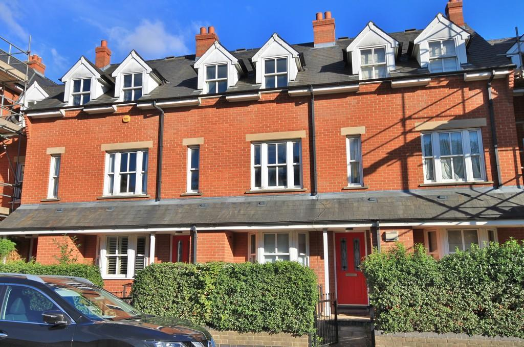 4 Bedrooms Town House for sale in Ravensworth Gardens, Cambridge