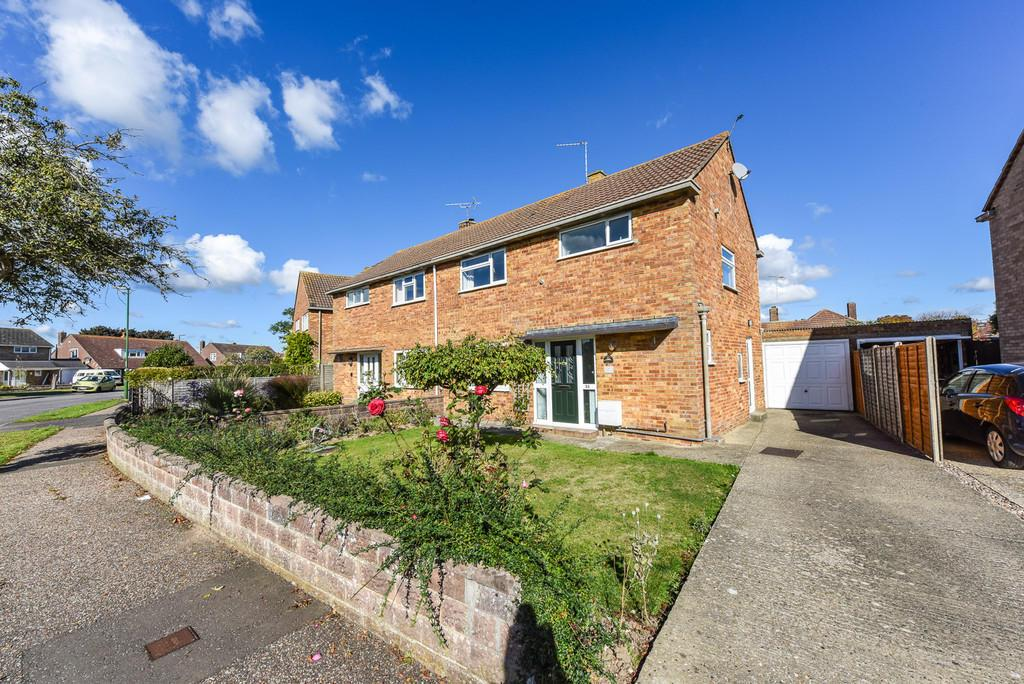 3 Bedrooms Semi Detached House for sale in Belgrave Crescent, Chichester