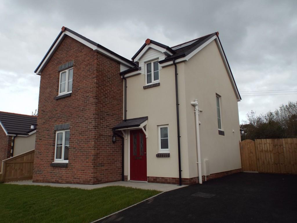 3 Bedrooms Detached House for sale in Rhos Y Bryn, Cefneithin, Llanelli