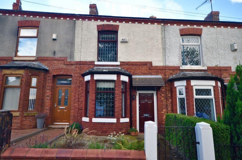 2 Bedrooms Terraced House for sale in Heywood Old Road, Manchester