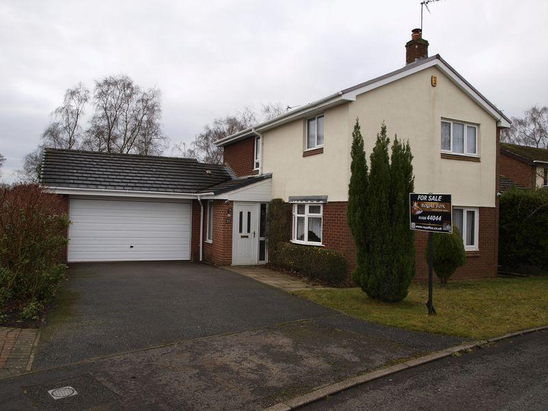 4 Bedrooms Detached House for sale in Uplands, Delamere Park, Cuddington, CW8 2XL