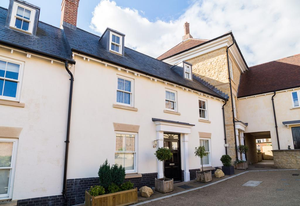 4 Bedrooms House for sale in Portman Place, Sherborne
