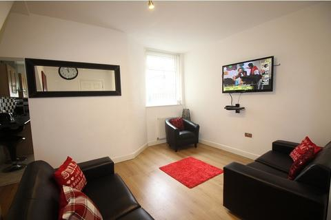6 bedroom house share to rent - Cawdor Rd(NO FEES), Fallowfield, Manchester M14