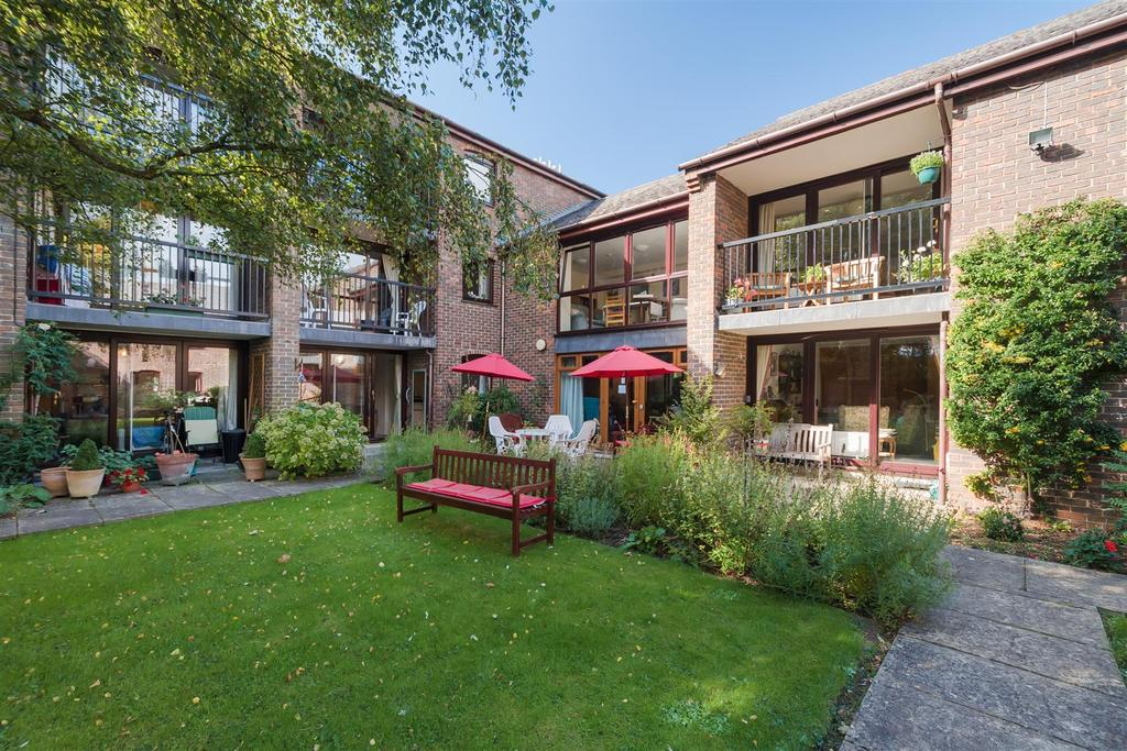 1 Bedroom Retirement Property for sale in Osberton Road, Summertown