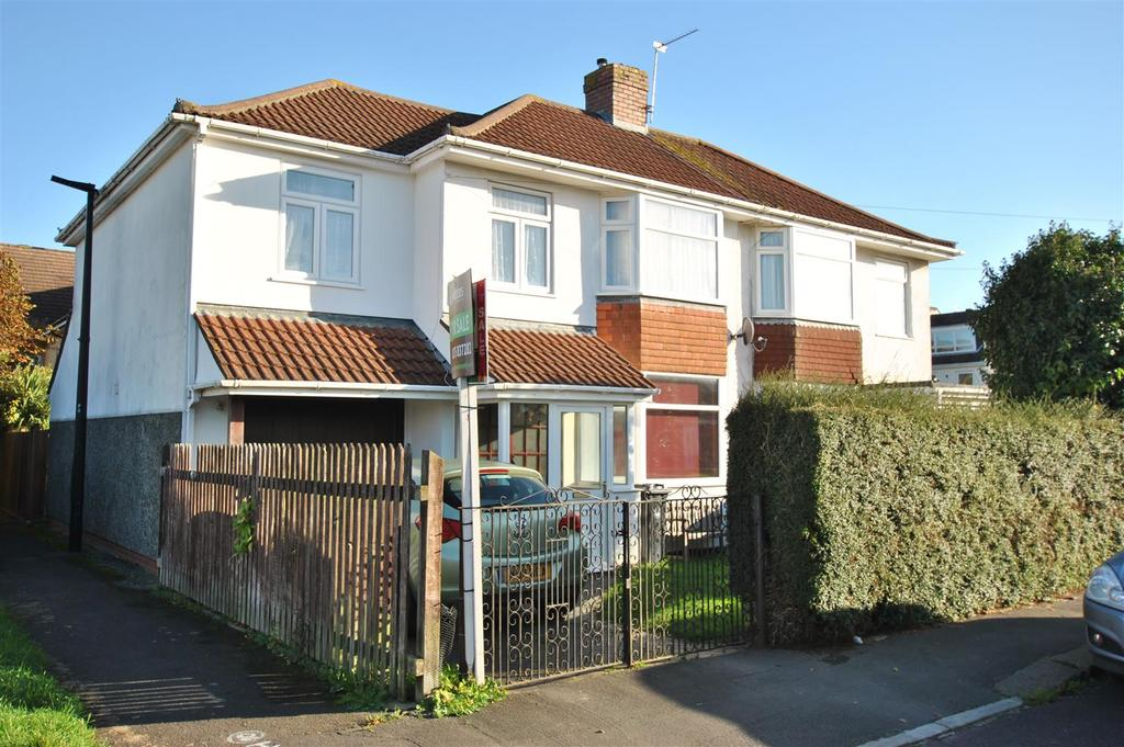 4 Bedrooms Semi Detached House for sale in Cranleigh Road, Whitchurch