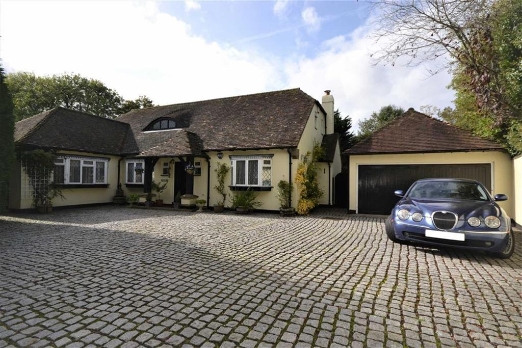 4 Bedrooms Detached House for sale in Cockfosters Road, Hadley Wood, Hertfordshire