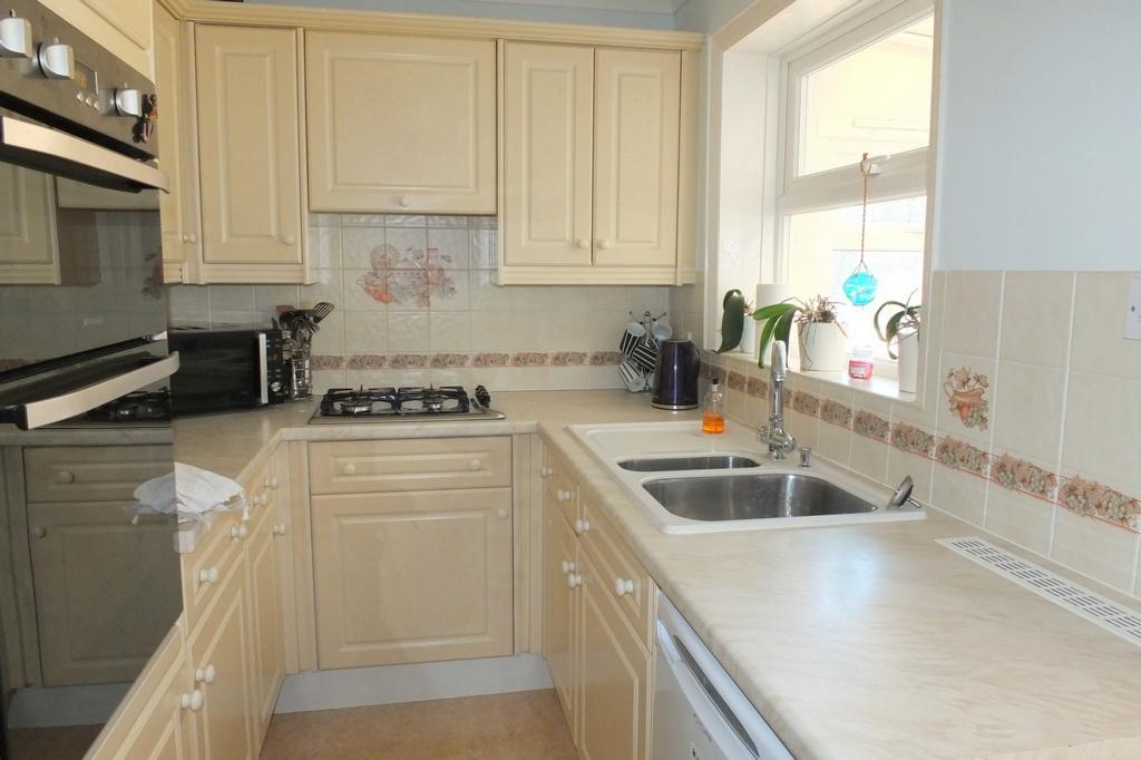 3 Bedrooms House for sale in Bentswood Road, Haywards Heath, RH16
