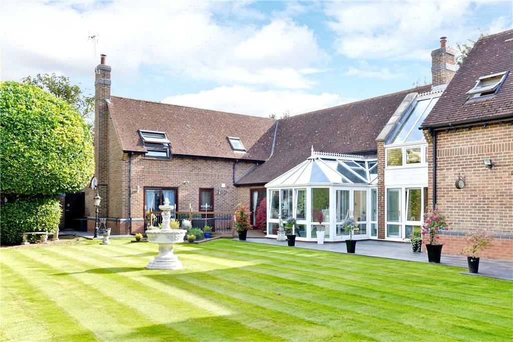 5 Bedrooms Detached House for sale in Walton Road, Walnut Tree, Milton Keynes, Buckinghamshire