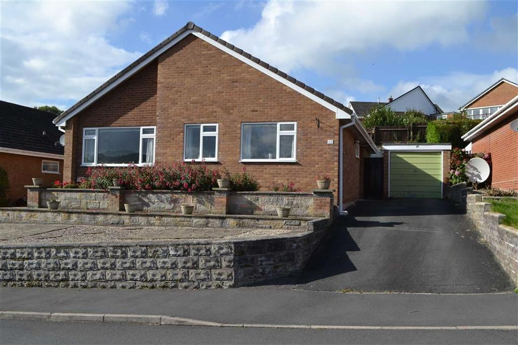 3 Bedrooms Detached Bungalow for sale in 43, Bryn Meadows, Newtown, Powys, SY16