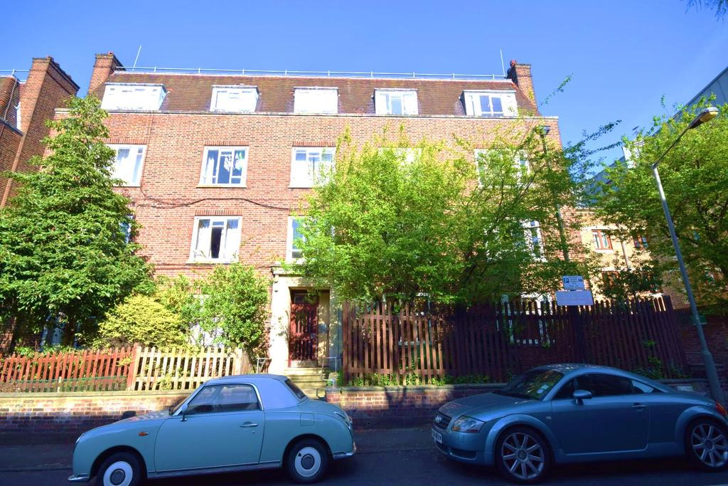 3 Bedrooms Flat for sale in Wandsworth, London SW18