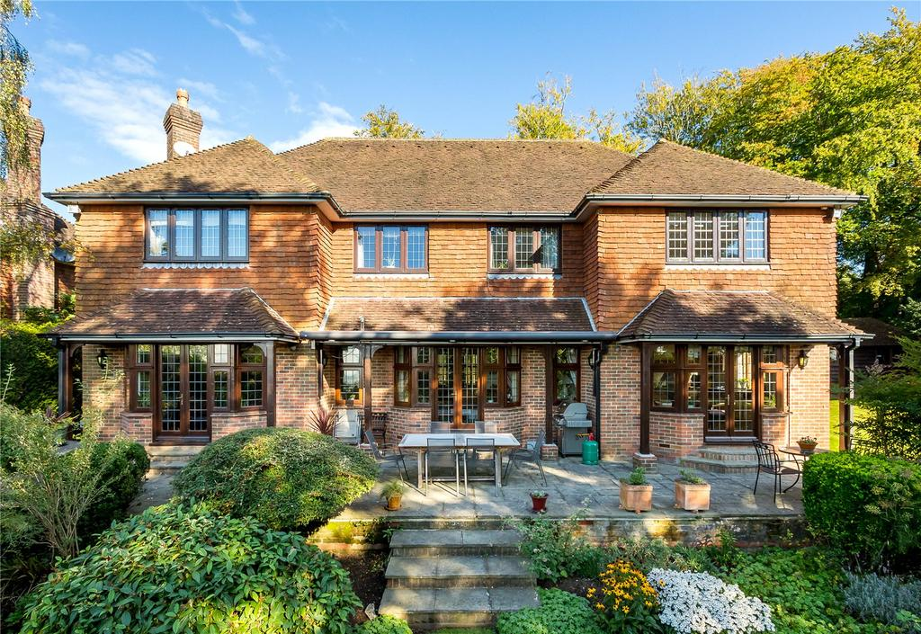 5 Bedrooms Detached House for sale in Compton Heights, Guildford, Surrey