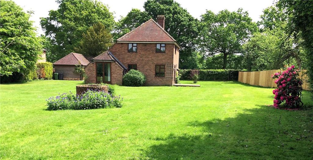 3 Bedrooms Detached House for sale in West Heath, Baughurst, Tadley, Hampshire, RG26