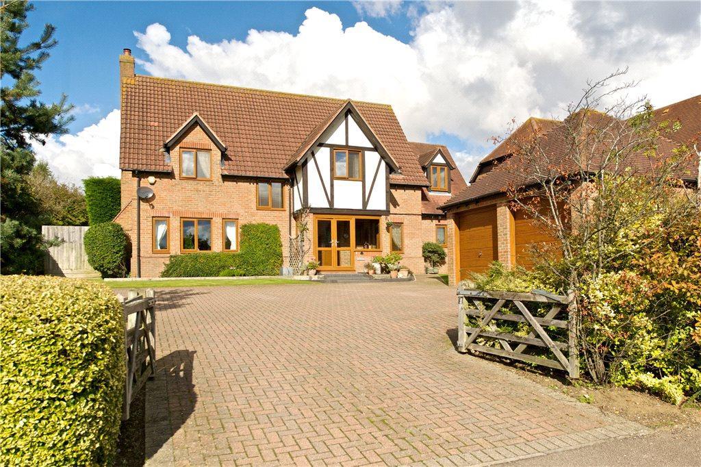 4 Bedrooms Detached House for sale in Gregories Drive, Wavendon Gate, Milton Keynes, Buckinghamshire