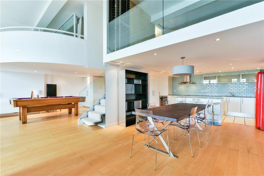 2 Bedrooms Flat for sale in Victorian Heights, Thackeray Road, London, SW8