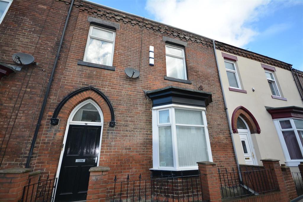 6 Bedrooms Terraced House for sale in Roker Avenue, Roker, Sunderland