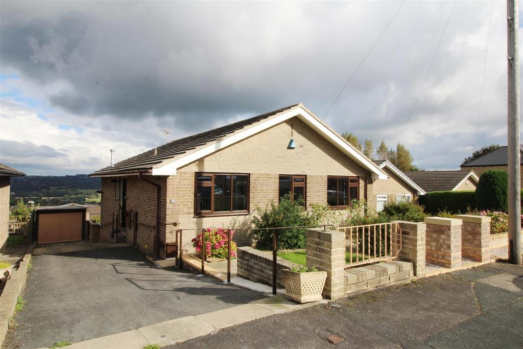 3 Bedrooms Detached Bungalow for sale in Croftlands, Bradford, BD10 8RW