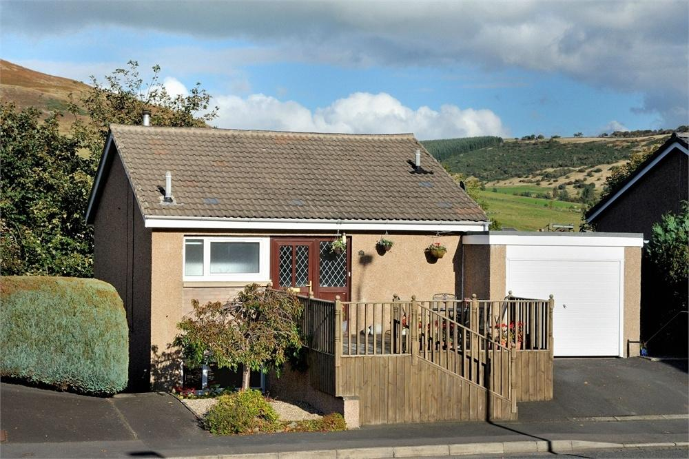 4 Bedrooms Detached House for sale in Windyknowe Road, Galashiels, Scottish Borders