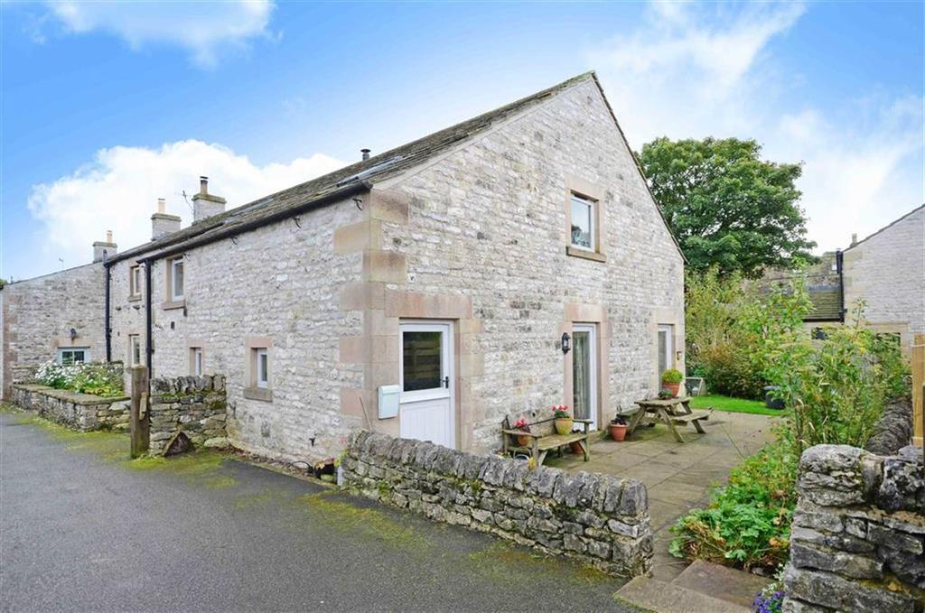 3 Bedrooms Barn Conversion Character Property for sale in Townend Barn, Main Street, Chelmorton, Derbyshire, SK17