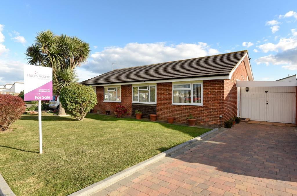 2 Bedrooms Bungalow for sale in The Causeway, Pagham, Bognor Regis, PO21