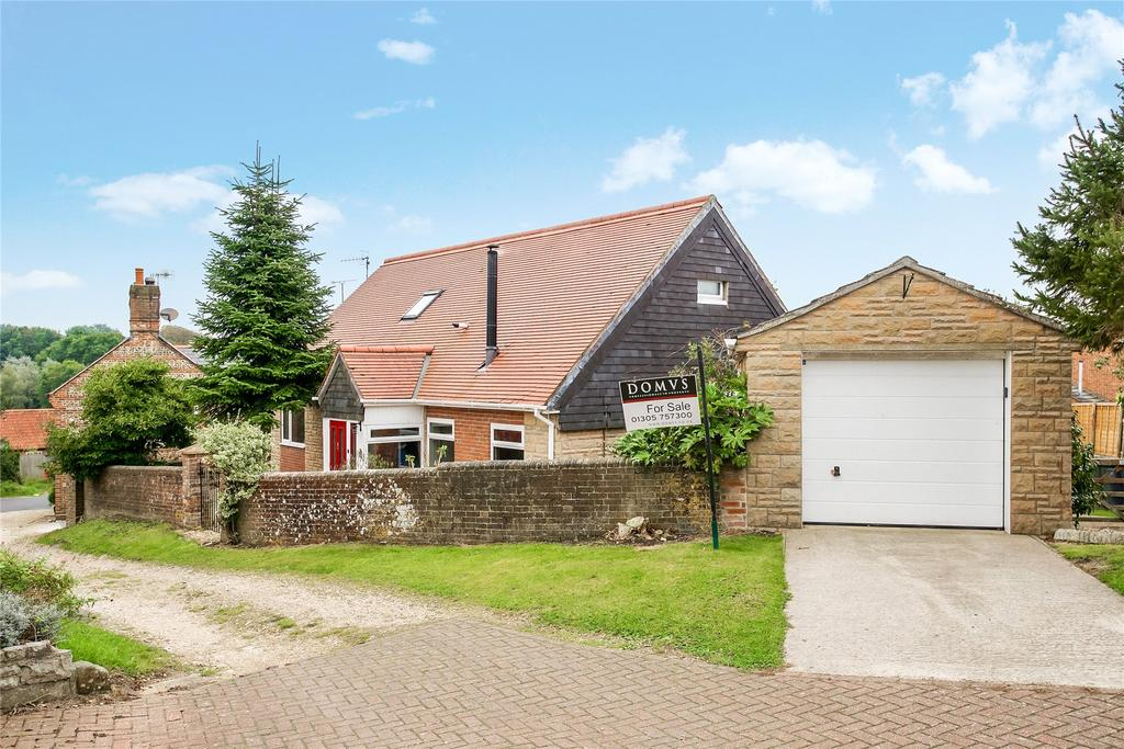 4 Bedrooms Detached Bungalow for sale in Charminster, Dorchester, Dorset