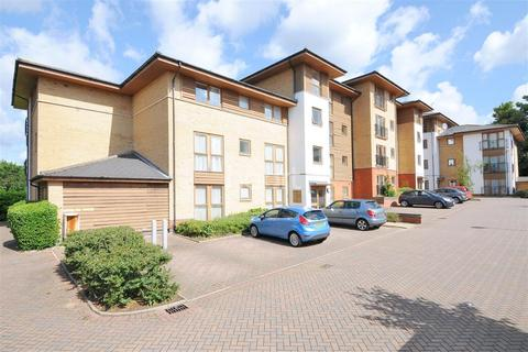 2 bedroom flat to rent - Sapphire House, ME14