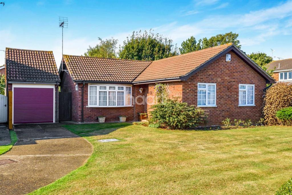 2 Bedrooms Bungalow for sale in Staplegrove, Shoeburyness