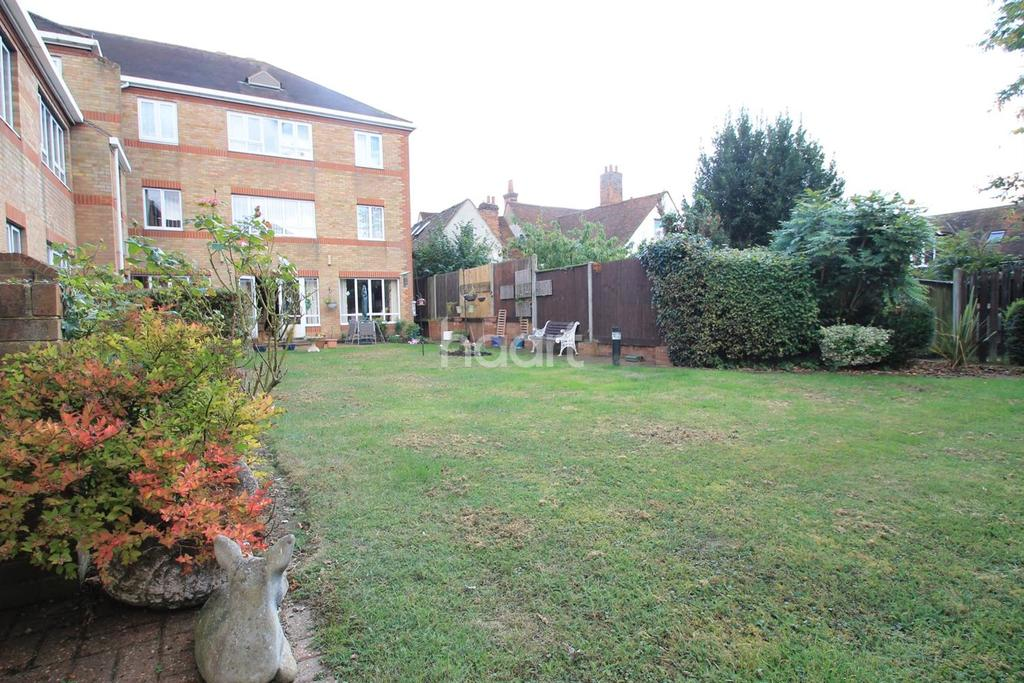 1 Bedroom Flat for sale in Newland Court, Witham.