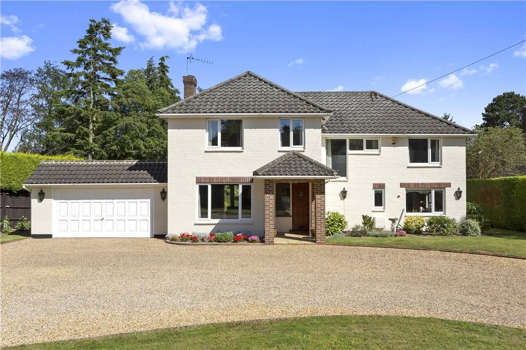 4 Bedrooms Detached House for sale in Fairmile Park Road, Cobham, Surrey, KT11