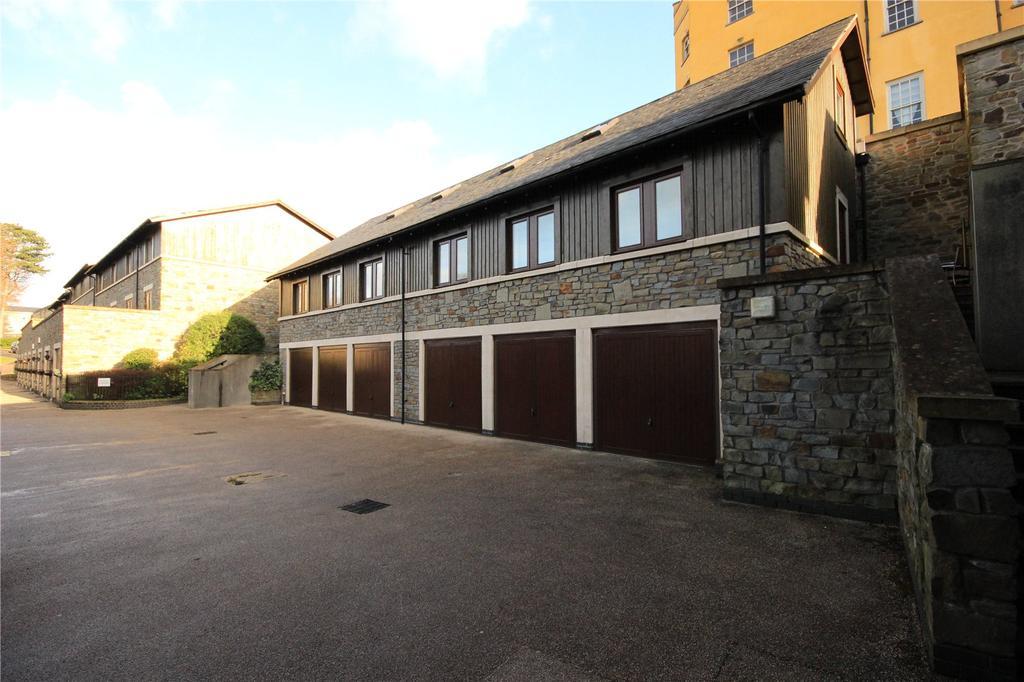 3 Bedrooms End Of Terrace House for sale in Vanbrugh Lane, Stapleton, Bristol, BS16
