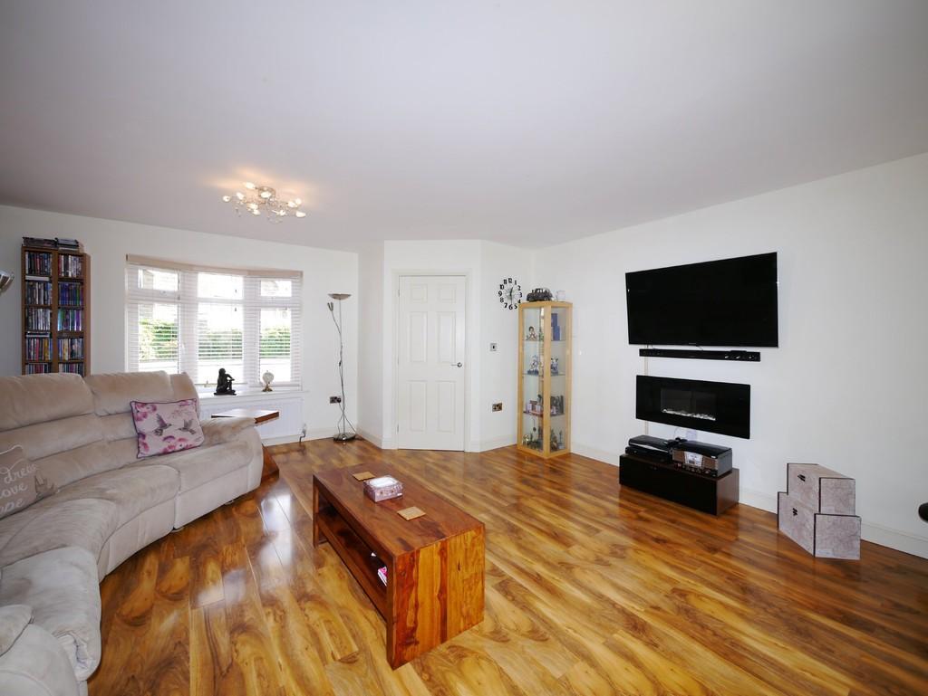 3 Bedrooms Detached Bungalow for sale in Long Meadow Walk, Carlton Colville, Lowestoft