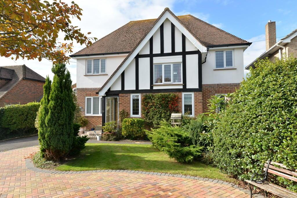 4 Bedrooms Detached House for sale in High Ridge Crescent, New Milton