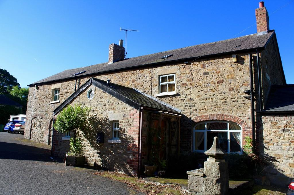5 Bedrooms Barn Conversion Character Property for sale in Home Farm, Whitworth