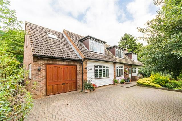 4 Bedrooms Detached House for sale in Chapel Lane, Little Hadham, nr. Ware