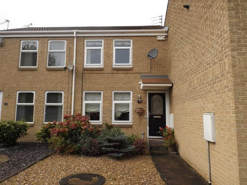 2 Bedrooms Terraced House for sale in Maple Close, Bedlington