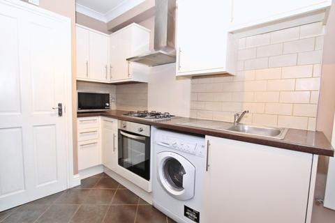 Studio to rent - Lady Margaret Road, Southall