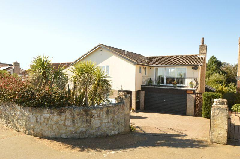 4 Bedrooms Detached House for sale in LAKE