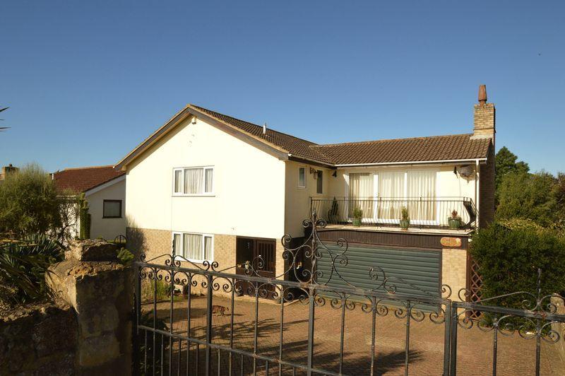 4 Bedrooms Detached House for sale in SANDOWN