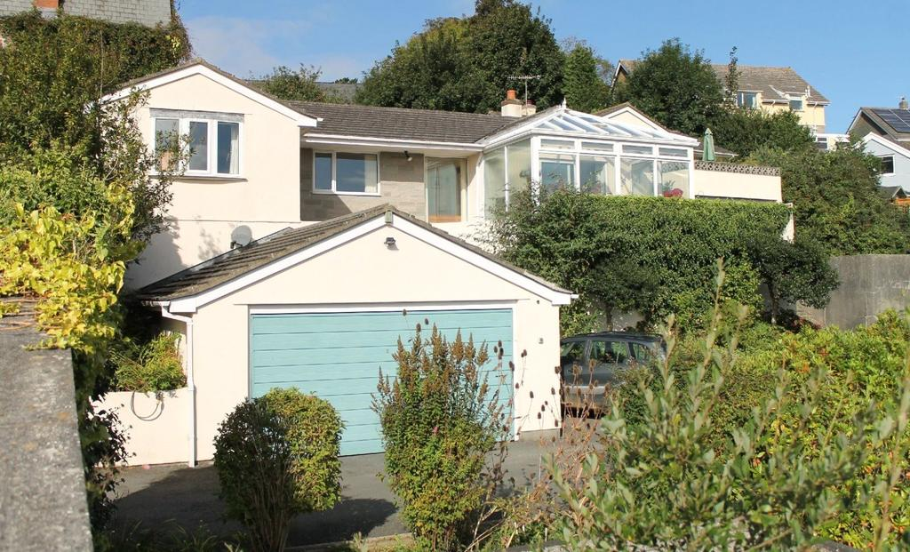 4 Bedrooms Detached Bungalow for sale in Manor Gardens, Kingsbridge, Devon, TQ7
