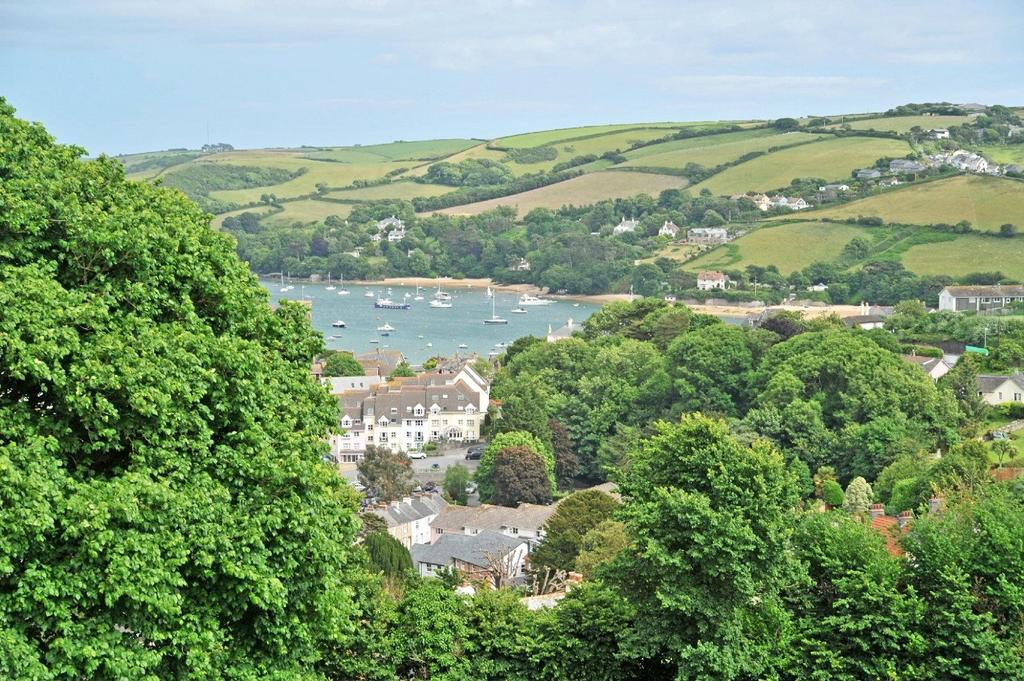 4 Bedrooms Detached House for sale in McIlwraith Road, Salcombe, Devon, TQ8