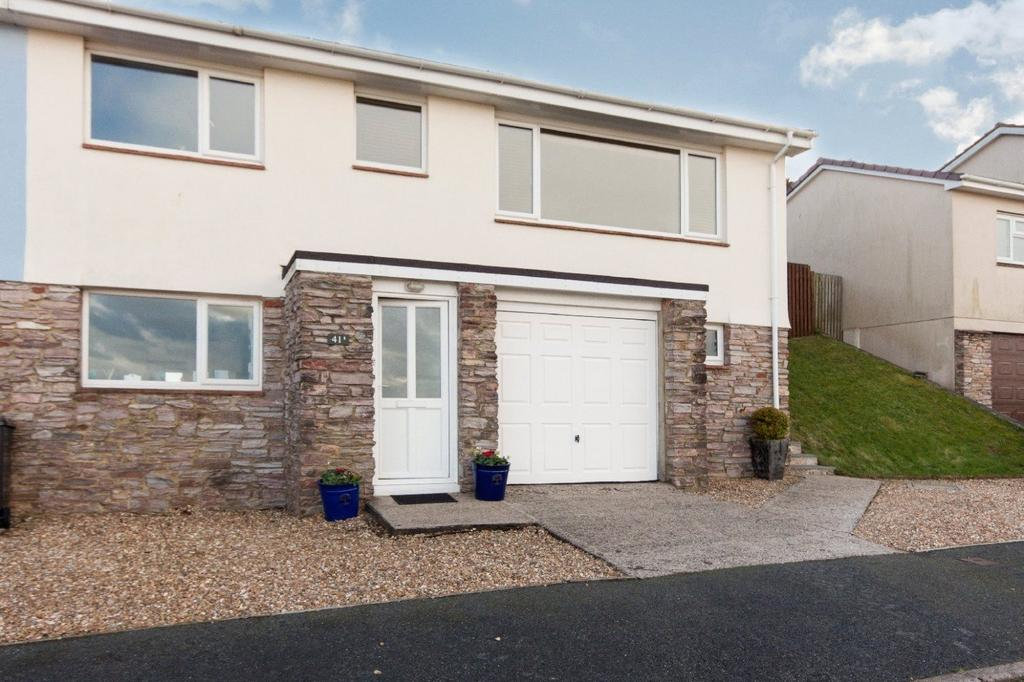 3 Bedrooms Semi Detached House for sale in Round Berry Drive, Salcombe, Devon, TQ8