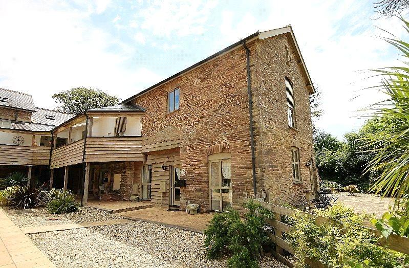 3 Bedrooms Barn Conversion Character Property for sale in Coleridge Barns, Chillington, Kingsbridge, Devon, TQ7