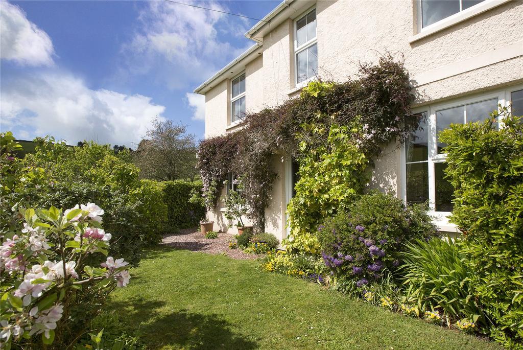 4 Bedrooms Semi Detached House for sale in Higher Batson, Salcombe, Devon, TQ8