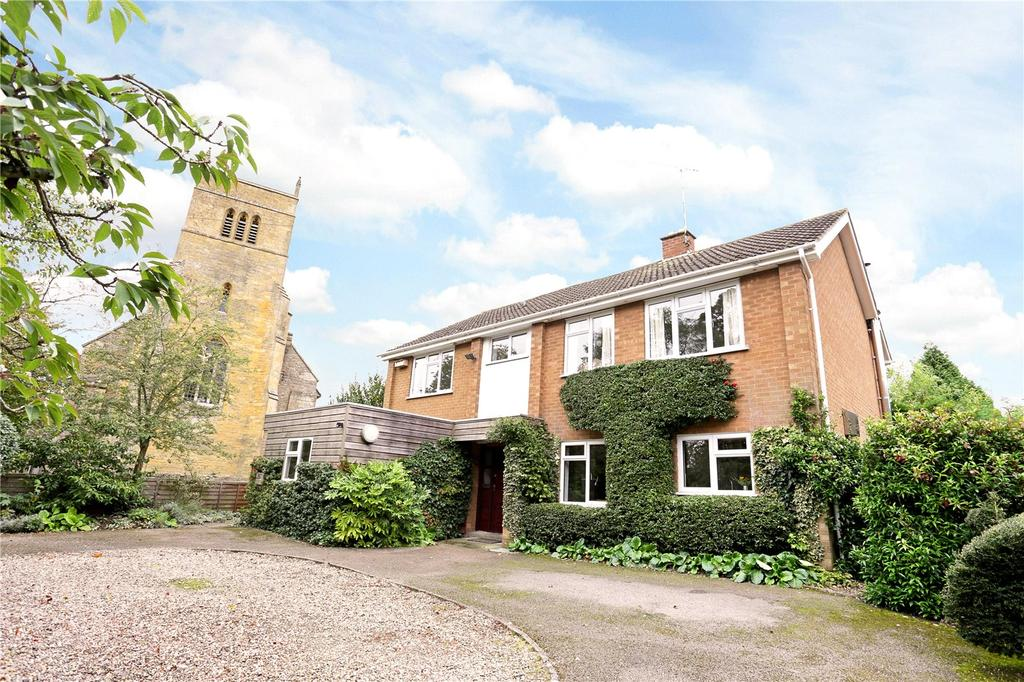 4 Bedrooms Detached House for sale in Stoulton, Worcester, Worcestershire