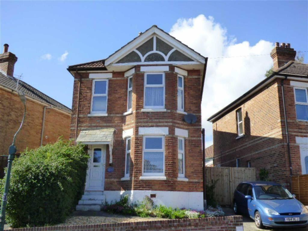 5 Bedrooms Detached House for rent in Muscliffe Road, Bournemouth, Dorset, BH9
