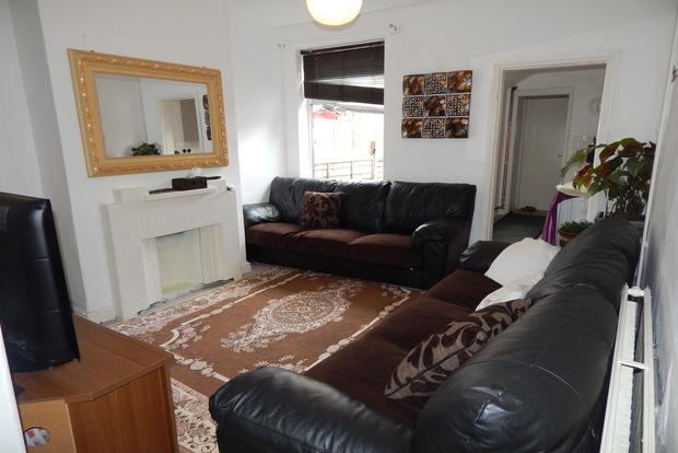 3 Bedrooms Terraced House for sale in Lamcote Grove, The Meadows, Nottingham, NG2