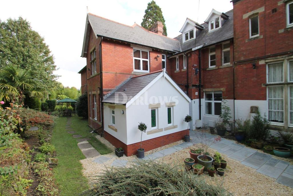 2 Bedrooms Flat for sale in Druidstone Road, Old St Mellons, Cardiff