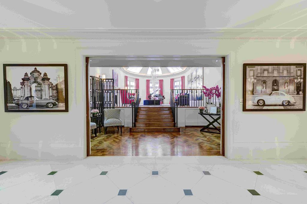 6 Bedrooms Ground Flat for sale in Duchess Of Bedfords Walk, London. W8