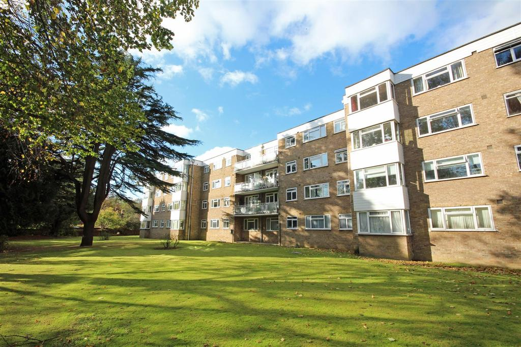 1 Bedroom Flat for sale in The Priory, Patcham, Brighton