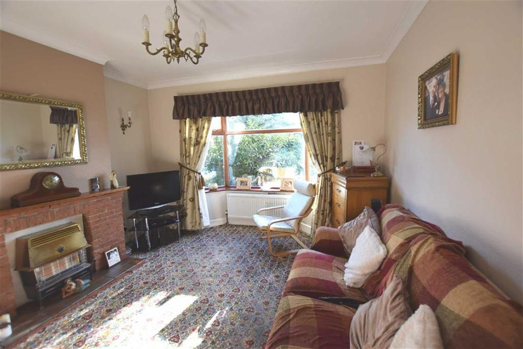 4 Bedrooms Semi Detached House for sale in Padiham Road, Burnley, Lancashire
